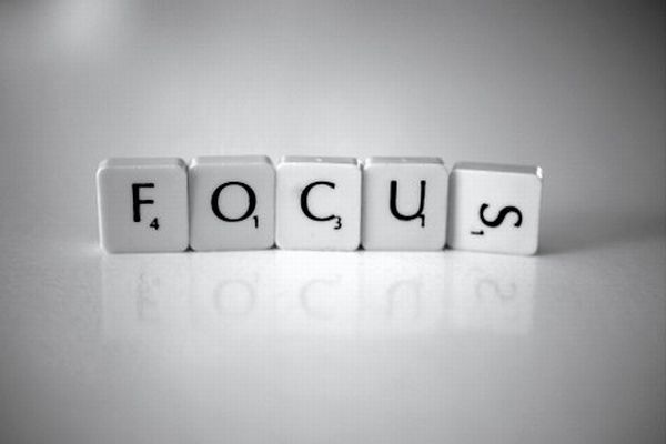 focus-little-thing-scrabble-game-reflect-tile-think-life-simple